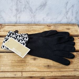 Michael Kors NWT MK Logo Knit Cuffed Gloves